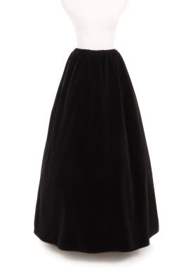 Slim Cut Velvet Skirt