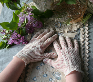 Ivory Crochet Gloves