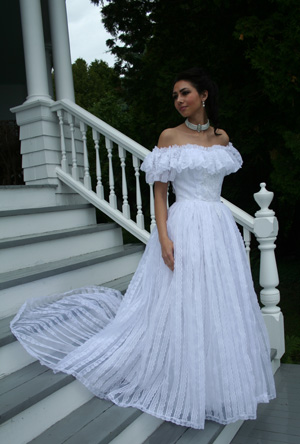 Dresses and petticoats in the wind pictures
