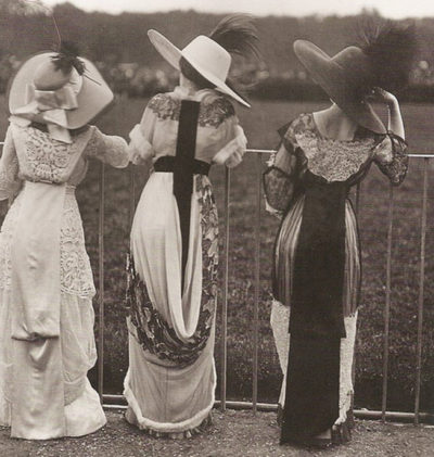 Edwardian women at Ascot - the height of the English social season