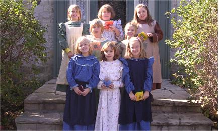 Children in pioneer dress at Oshawa Museum