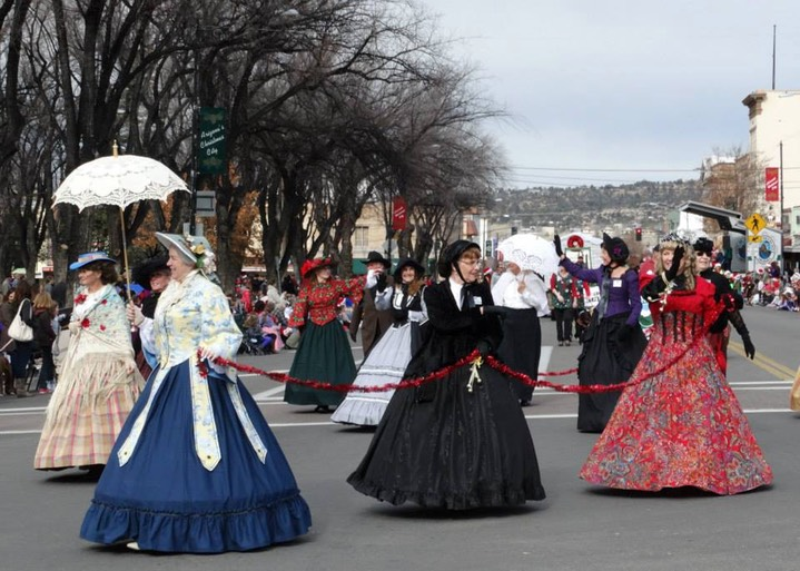 Elks Opera House Guild members in a parade