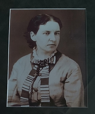 """Elizabeth """"Miss Lizzie"""" Mason; first librarian of Alpena"""