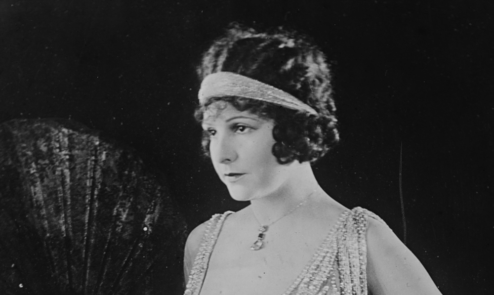 becoming the flapper the definitive guide on dressing 1920s