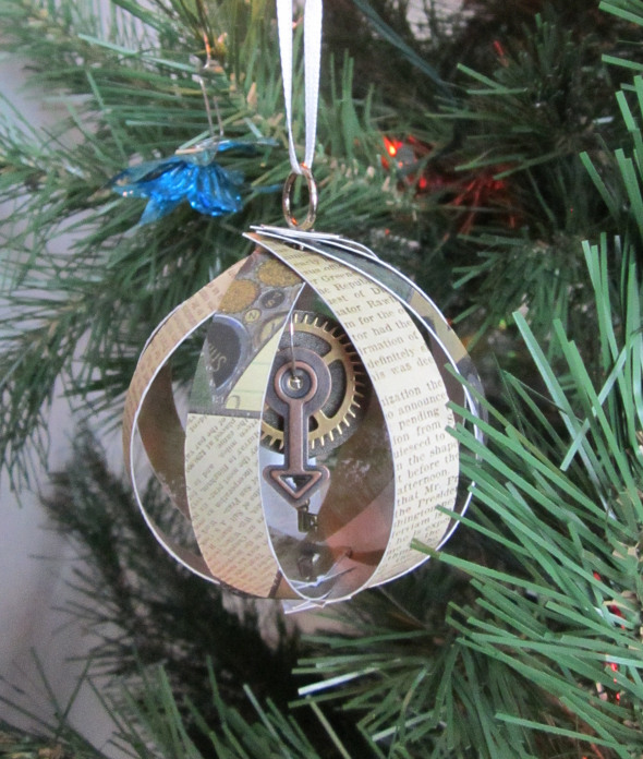DIY Christmas cage ornament