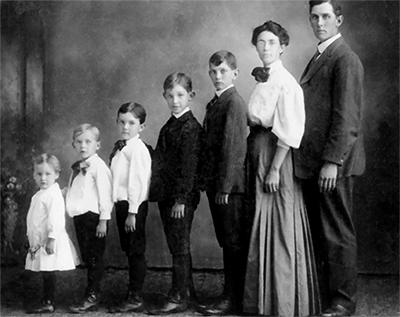 Victorian family photo - photo caption contest