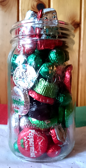 Guess How Many Candies Are In The Jar Holidays 2016 Edition