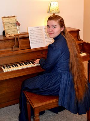 Katie L