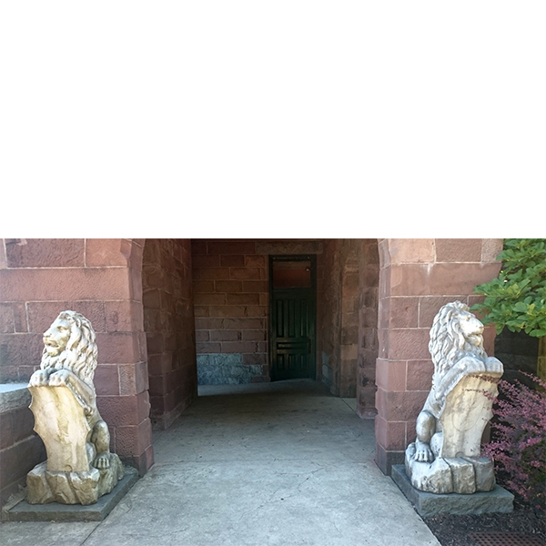 Marble lions flank the Catholina Lambert museum entrance