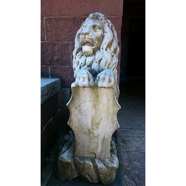Close up of marble lion in entranceway of Catholina Lambert home