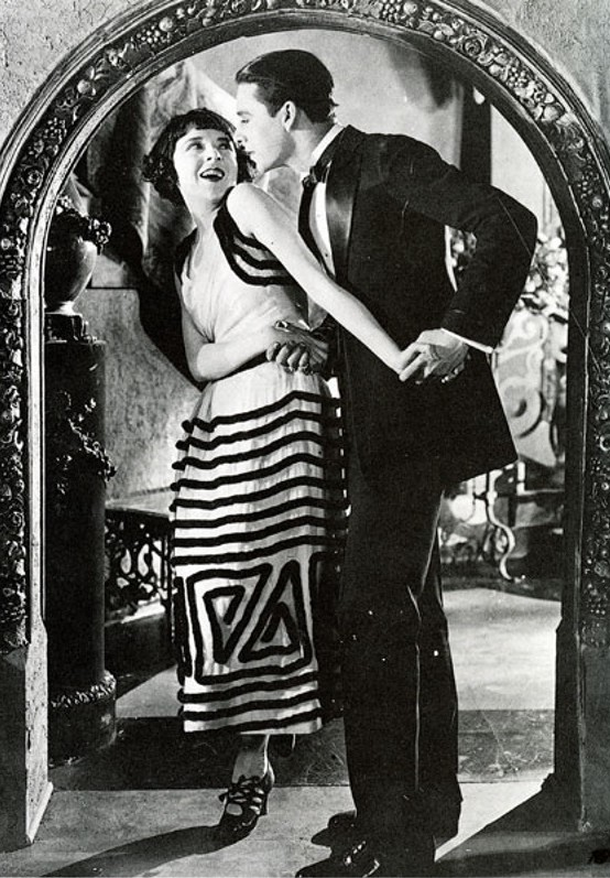 Still of Colleen Moore and Ben Lyon in Flaming Youth